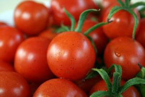 sprijin, tomate