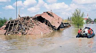 Fermierii care au suferit pierderi in urma calamitatilor din cursul anului 2013 vor fi scutiti de impozitul pe venitul agricol