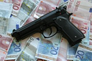 Prevenirea si combaterea criminalitatii