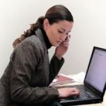 femeie_laptop