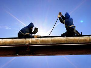 Comisia Europeana aloca peste 24 de milioane de euro pentru ajutorarea muncitorilor disponibilizati