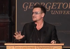 Bono: Capitalismul scoate mai multi oameni din saracie decat ajutoarele