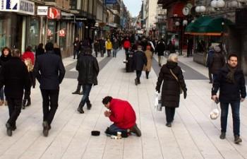 Suedezii cred ca Romania nu foloseste suficient fondurile europene pentru a imbunatati situatia romilor