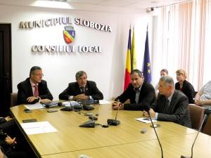 Regiunea Sud Muntenia: Doua noi contracte de finantare pentru dezvoltarea infrastructurii educationale au fost semnate