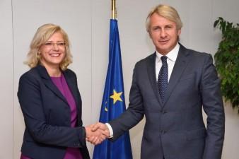 Corina Cretu: Romania a facut progrese remarcabile in ceea ce priveste absorbtia de fonduri UE insa e necesar sa continuam luarea de masuri in aceasta directie