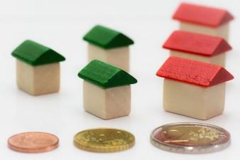"""Unele banci din Romania au produse de creditare ce fac concurenta programului """"Prima Casa"""""""