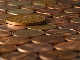 Scadere cu 63% a investitiilor straine in februarie fata de ianuarie 2015