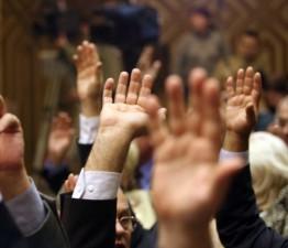 Amanare: Votul final pentru legile achizitiilor publice va fi saptamana viitoare