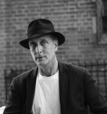 (P) Autorul american Peter Frank si alti speakeri de top vor fi prezenti la Galati pe 8 octombrie