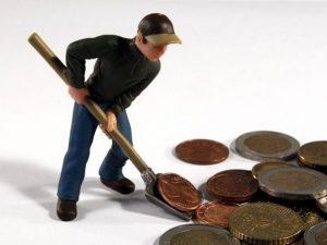 PIAROM: Companiile care au primit ajutor de stat au creat mai putin de 70% din locurile de munca asumate