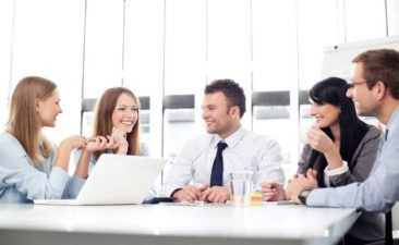 Tinerii si afacerile: Aproape 10% dintre asociatii sau actionarii din firmele romanesti au sub 30 de ani