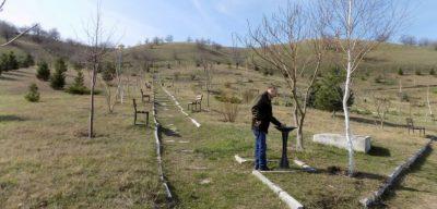 """""""Romania lucrului prost facut"""", o noua campanie Adevarul: parc in pustiu, la 2 kilometri de sat"""
