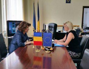 Ministrul delegat Rovana Plumb si comisarul european Corina Cretu s-au intalnit ieri