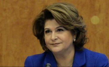Contracte in valoare de 18 milioane lei pentru intreprinderile micii si mijlocii, semnate de ministrul Rovana Plumb