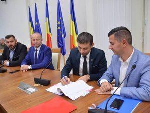 Ministrul Marius Nica a semnat contractul de finantare cu 50 milioane euro pentru reabilitarea Drumului Nordului