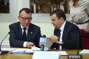 Viceprim-ministrul Stanescu a semnat 10 noi contracte PNDL, pentru judetul Timis