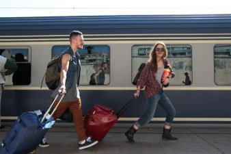 Tineri romani vor putea circula gratuit cu trenul prin toata Europa