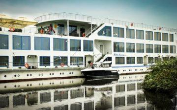 Hotelul plutitor Bella Marina din Jurilovca, in centrul unei anchete. DNA ii acuza pe reprezentantii firmei de fraudarea fondurilor europene