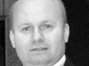 Cristian Paun, ASE: Romania este scuturata din toate balamalele de niste politicieni care au o educatie economica precara