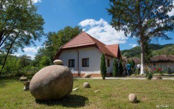 Buzau: Muzeul Formelor, dedicat trovantilor, a fost deschis in localitatea Bozioru