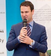 Robert Negoita anunta proiecte de 1,57 miliarde lei depuse in cadrul POR pentru reabilitarea termica a 850 de blocuri