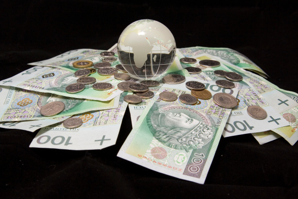 bani, licitatie, incluziune sociala
