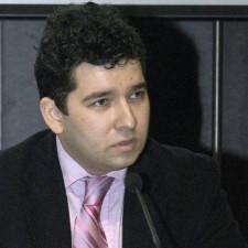 """Liviu Voinea: """"Sursele cresterii economice de 1,6% in 2013 sunt consumul, fondurile europene si reformele structurale"""""""