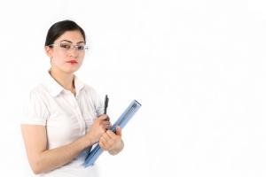 Martisor de la BCR: comision zero pentru analiza dosarelor de credit depuse de femei