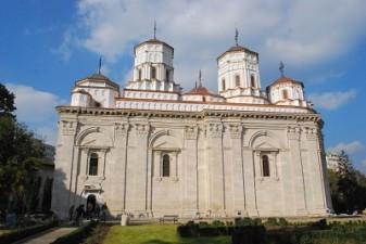 Frescele Manastirii Golia din Iasi, restaurate cu fonduri Regio