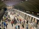 Guvernul introduce transportul gratuit pentru elevi tot anul calendaristic, inclusiv la metrou