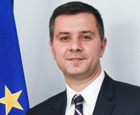 Marius Nica, ministrul delegat pentru Fonduri Europene, a demisionat. Atentionare privind pierderea de fonduri UE din cauza ca primarii prefera proiecte cu fonduri de la buget