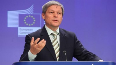 Dacian Ciolos: Pregatim un program finantat din fonduri europene la care sa poata aplica scolile si organizatii neguvernamentale