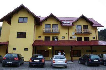 Cabana dotata cu sala de training pentru diferite evenimente de business in statiunea Malini
