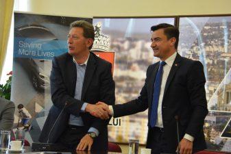 Compania Autoliv si-a marcat oficial venirea la Iasi, printr-o intalnire cu primarul Mihai Chirica