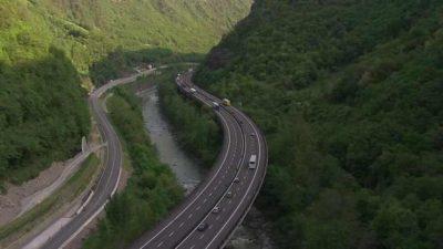 CNAIR a finalizat documentatia pentru cele doua capete ale autostrazii Pitesti-Sibiu, cu o valoare estimata la 679 milioane euro
