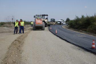 Ministerul Dezvoltarii: Peste 88 de kilometri de drumuri judetene din judetele Tulcea si Salaj vor fi modernizate cu 44 milioane euro