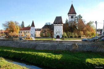 Fondurile Regio finanteaza lucrarile de reparatii de la Ansamblul Bisericii Evanghelice fortificate Agnita