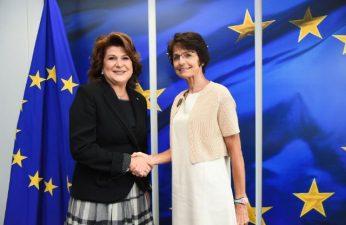 Ministrul Rovana Plumb s-a intalnit astazi, la Bruxelles, cu comisarul european Marianne Thyssen