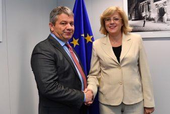 Comisarul european Corina Cretu, si ministrul roman al sanatatii, Florian Bodog, au convenit asupra etapelor privind constructia celor 3 spitale regionale cu fonduri europene