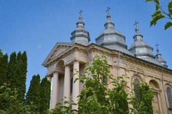 Ministrul Rovana Plumb a semnat contractul de finantare pentru valorificarea potentialului turistic si cultural al Manastirii Frumoasa