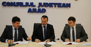 cj-arad-contract-deseuri.jpg