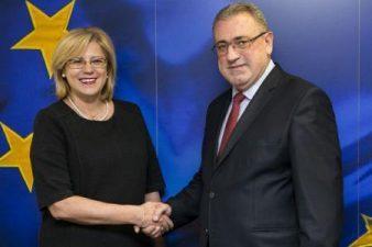 Comisarul european Corina Cretu a discutat cu ministrul Economiei despre stadiul procesului de specializare inteligenta in Romania