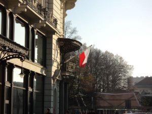 Presedintele Comisiei Europene respinge taierea de fonduri europene pentru Polonia
