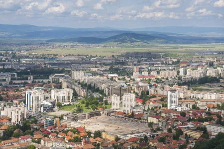 brasov-suburbs-romania-aerial-view-city-33347827.jpg