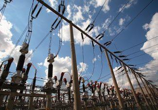 Transelectrica primeste 27 mil. euro de la Comisia Europeana pentru dezvoltarea proiectului energetic Cernavoda-Stalpu