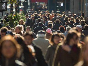 Ce ii asteapta pe romani in noul an. Previziuni economice: La cat va ajunge cursul euro in 2018