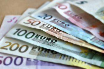 Crowdfunding: Noi reguli UE pentru platformele prin care se strang bani pe internet