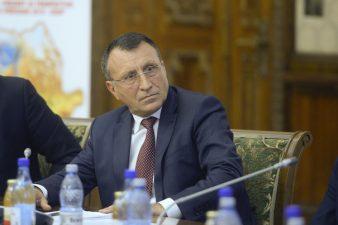 Vicepremierul Paul Stanescu: In aceasta luna vom veni cu o lege a achizitiilor publice. Robert Negoita, președinte al Asociatiilor Municipiilor, ar vrea o unitate centralizata de achizitii publice