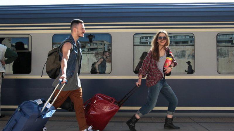 Gratuitate pe tren, doar pentru studenții sub 26 de ani