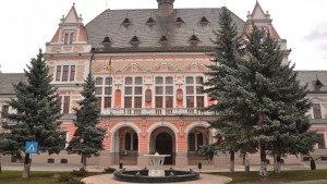Cultele au primit 63% din banii nerambursabili alocati de Consiliul Judetean Hunedoara